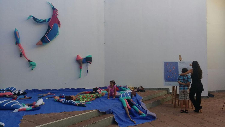 Fauna biomorfica. Instalación en el marco de la Feria de Arte y Diseño Costa Costurín. Casa de la Cultura de Entre Ríos. Paraná, diciembre, 2017