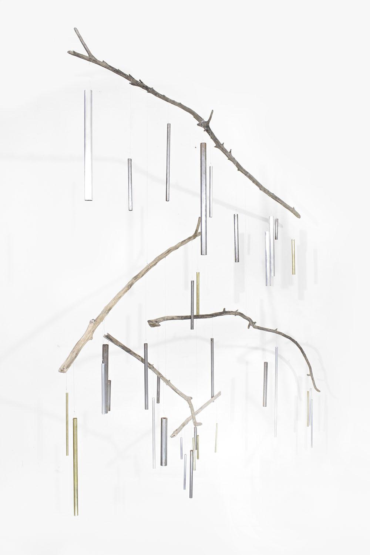 VOS I, Móvil de ramas erosionadas, bronce, acero, aluminio y hierro. 150 x 150 x 150 cm